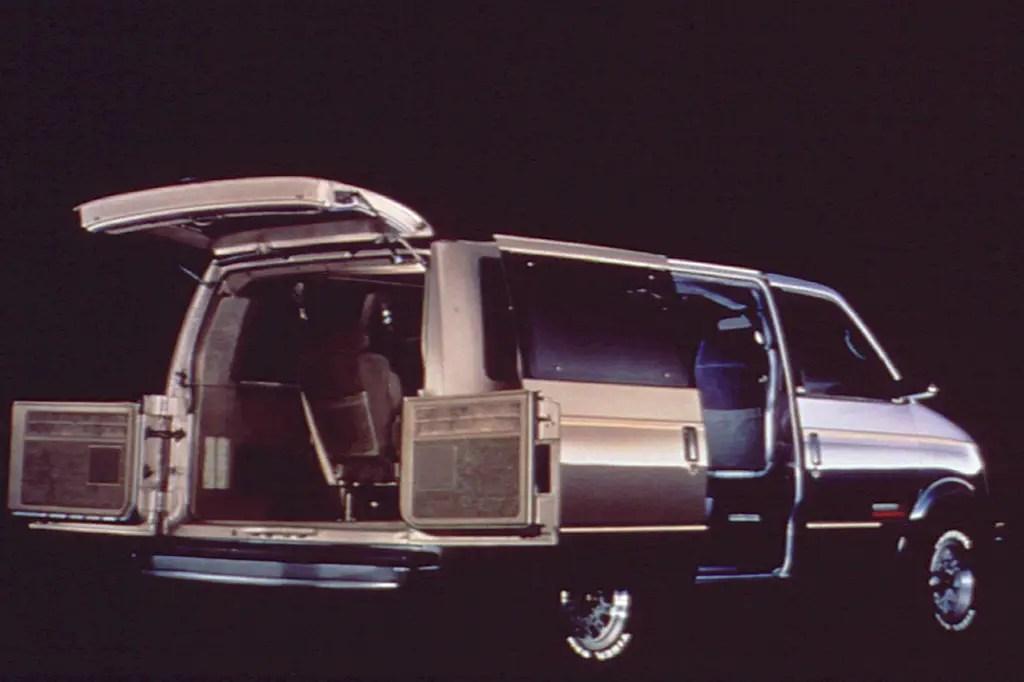 1990-05 GMC Safari Consumer Guide Auto