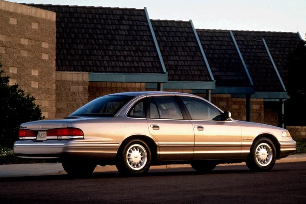 1992-07 Ford Crown Victoria Consumer Guide Auto