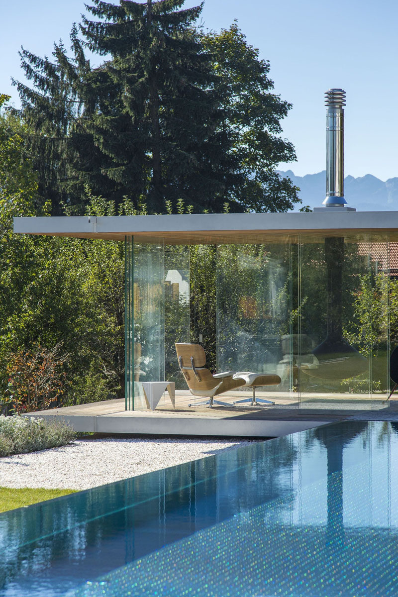 Glaspool This Modern Pool House Is Surrounded By Glass Contemporist