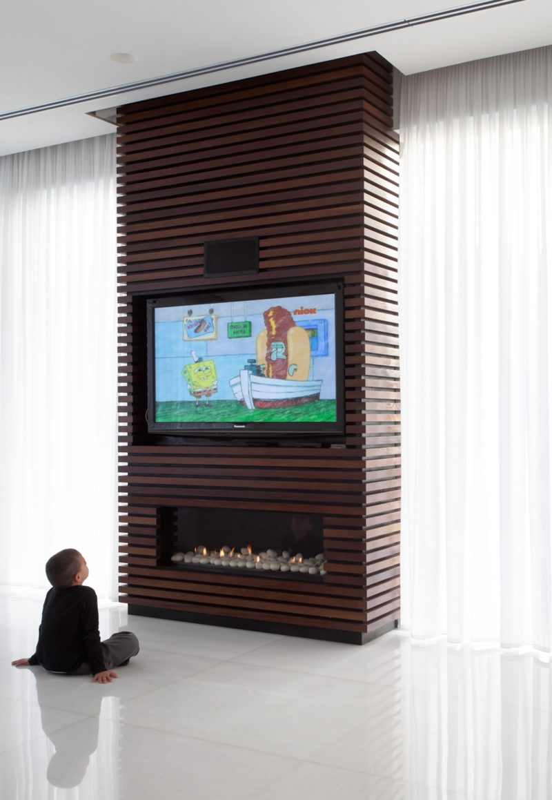 Wood Wall Behind Tv Design Idea The Wood Slats On This Tv And Fireplace Surround