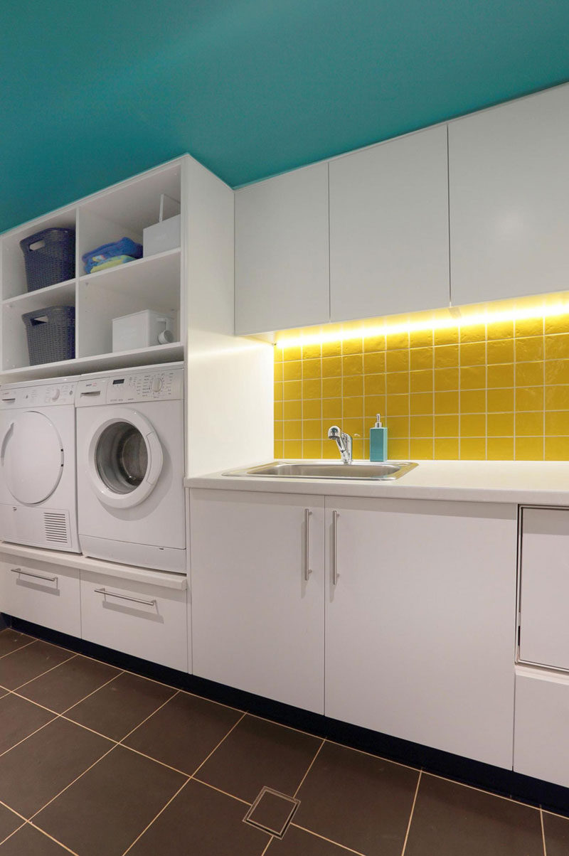 Meuble Pour Buanderie Laundry Room Design Idea - Raise Your Washer And Dryer Up
