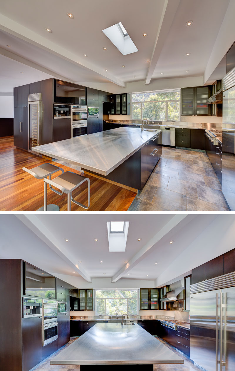 Modern U Shaped Kitchen With Island The View House By Aaron Neubert Architects | Contemporist