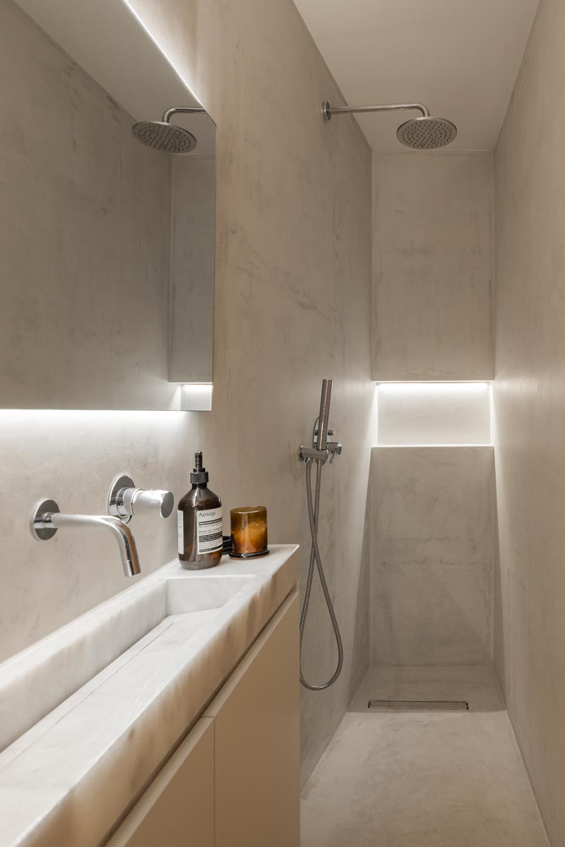 A Narrow Space Was Used To Create This Small Bathroom