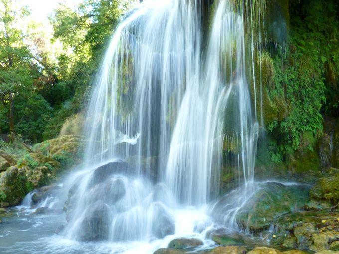 Kuang Si Falls Hd Wallpaper أين تقع الشلالات الأكثر إثارة للإعجاب في جميع أنحاء العالم؟