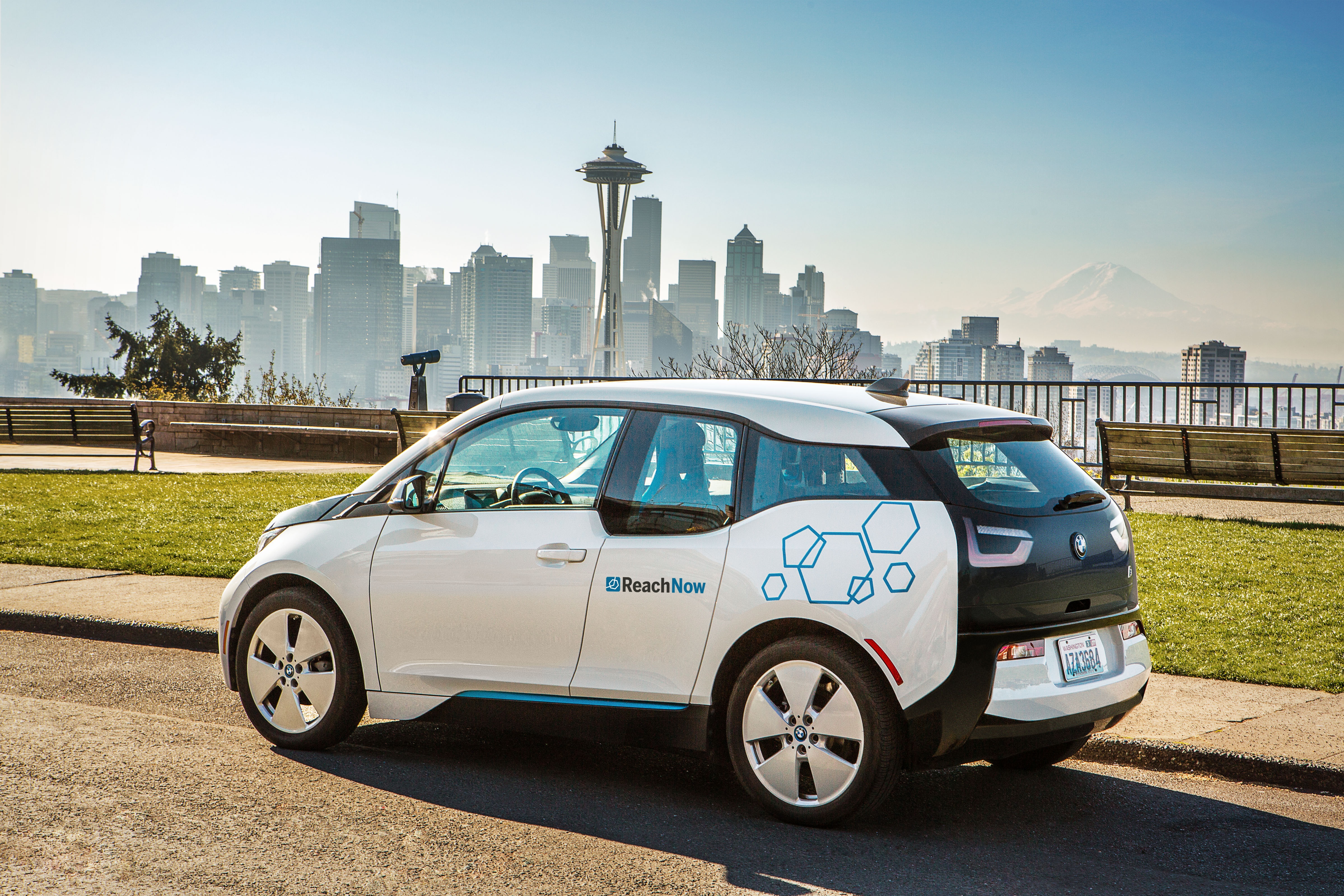 Electric Vehicle Manufacturers North America Bmw Gives Car Sharing In U S Another Shot With A New Name