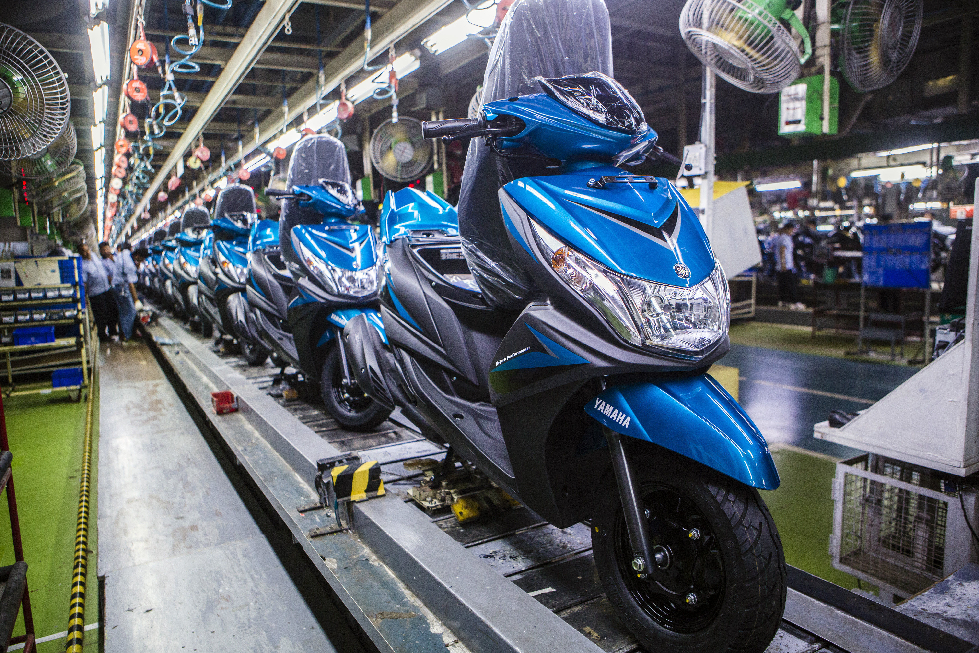 Vehicle Manufacturers In Japan Honda And Yamaha Announce Scooter Partnership Fortune
