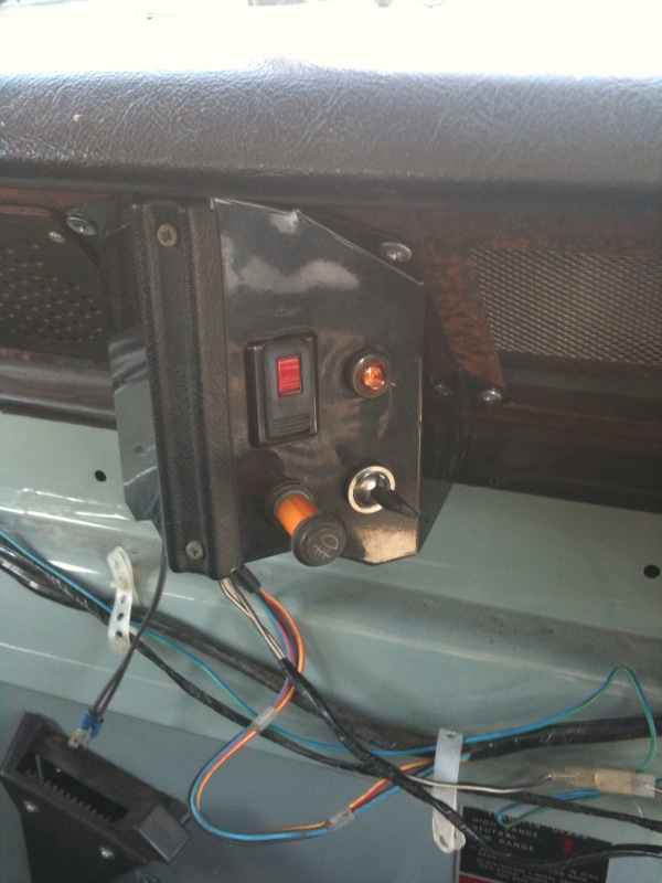 Series 3 Auxiliary Panel - Series Forum - LR4x4 - The Land Rover Forum