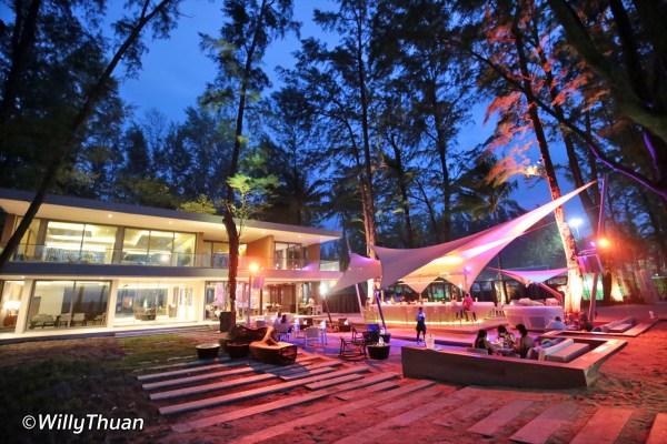 HQ Beach Lounge in Kamala Beach