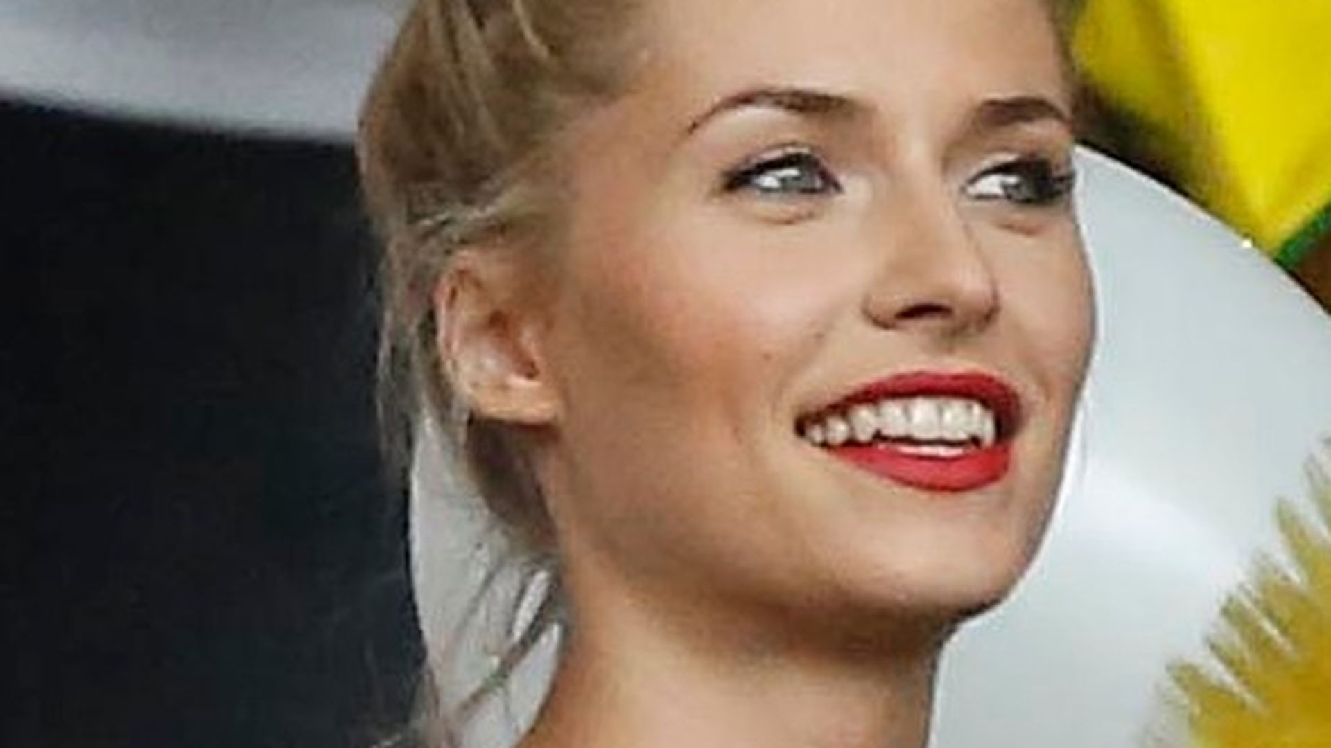 Single Girl Hd Wallpaper Lena Gercke Extrem Offen So Sollte Ihr Traummann Sein