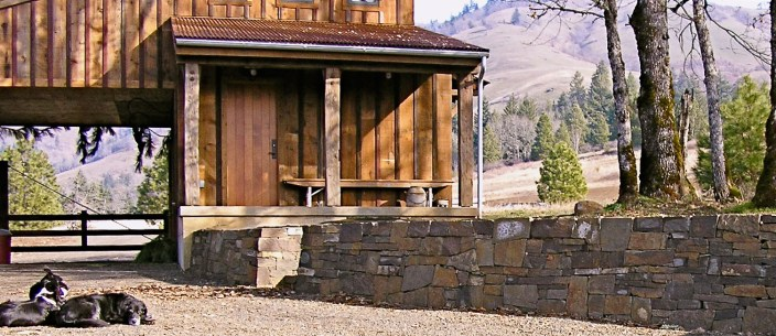 Eric Contey Stonework: Central Oregon ranch wall