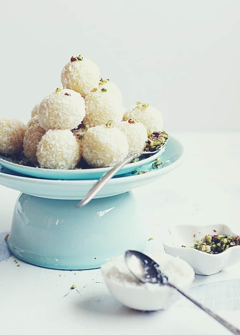 coconut ladoo recipe with khova