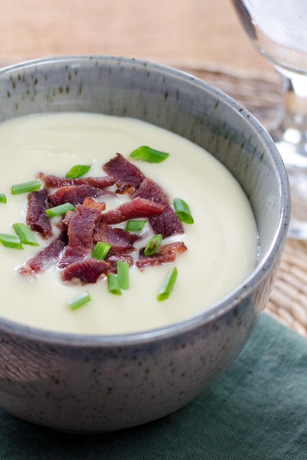 Paleo Smooth Cauliflower Soup