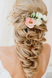 wedding hairdos for long hair with flower