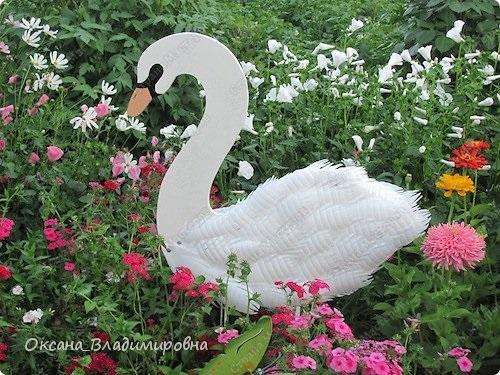 Diy swan garden decorations using plastic bottles