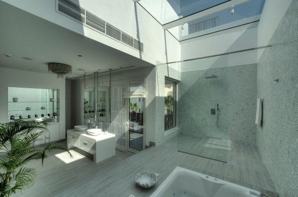 Master bathroom in Dubai