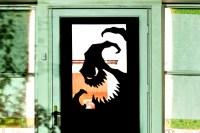 8 fun, spooky, and definitely easy DIY Halloween door ...
