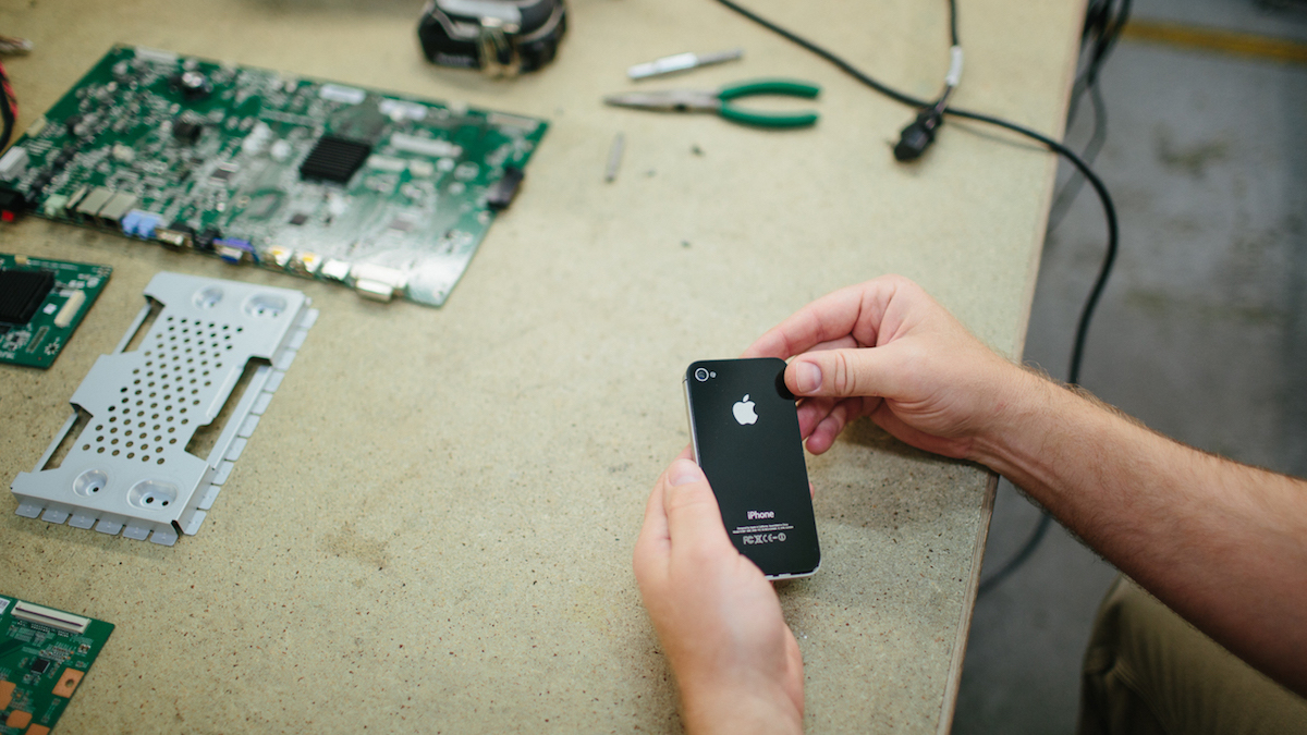 Repair Fixing Fixing Your Device Just Got Easier Right To Repair Movement