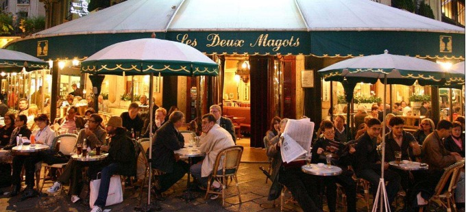 Night.Time_.Outdoor.Cafe_.Paris_