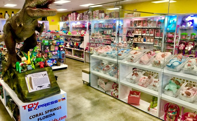 Toy Express In Coral Springs Holds Giveaway Coral