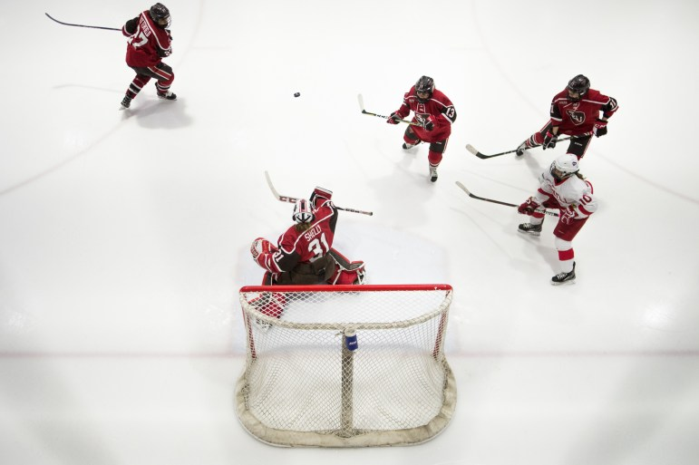 he No. 6 women's hockey team rebounded in a big way on Saturday afternoon at Lynah Rink, topping No. 8 St. Lawrence, 4-1, to cap-off the weekend with a win.