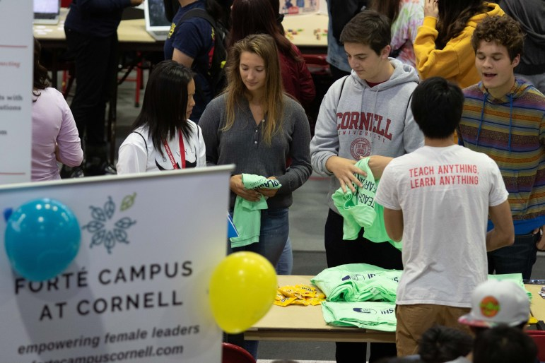 Students gather at Barton Hall for the Fall Semester Club Festival. (Michael Wenye Li / Sun Photography Editor)