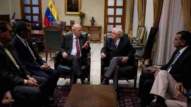 Lisboa quer retribuir apoio de Caracas durante a crise
