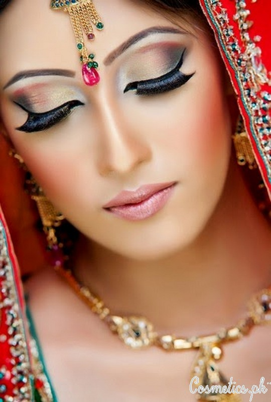 How To Apply Bridal Eye Makeup : Latest Pakistani Bridal Eye Makeup 2015 :Pictures, Tutorial