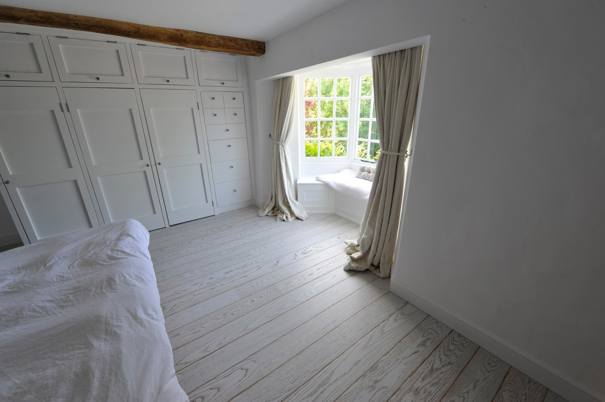 light-oak-bedroom