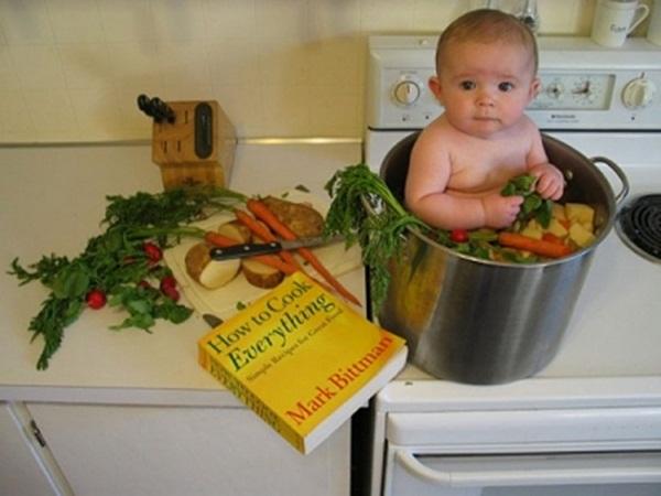 une soupe de bébé et légumes