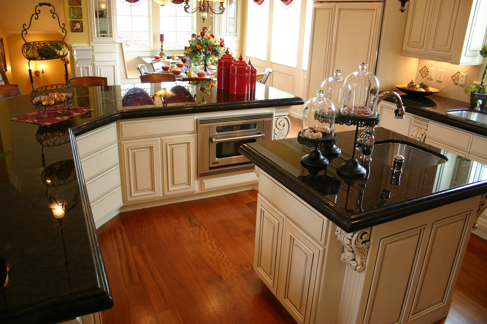 Two Tone Kitchen Cabinets With Black Granite Absolute Black Granite Price Per Square Foot And Decorating