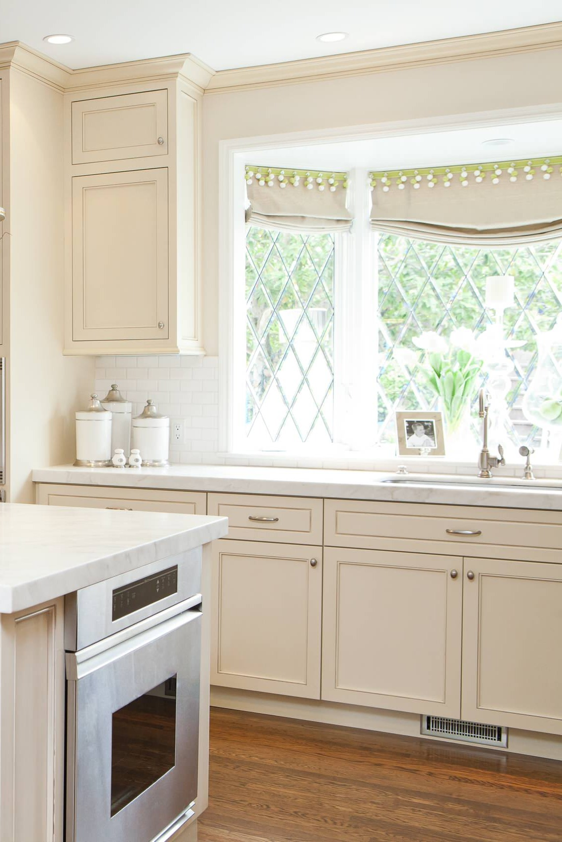 White Kitchen Countertops White Kitchen Cabinets