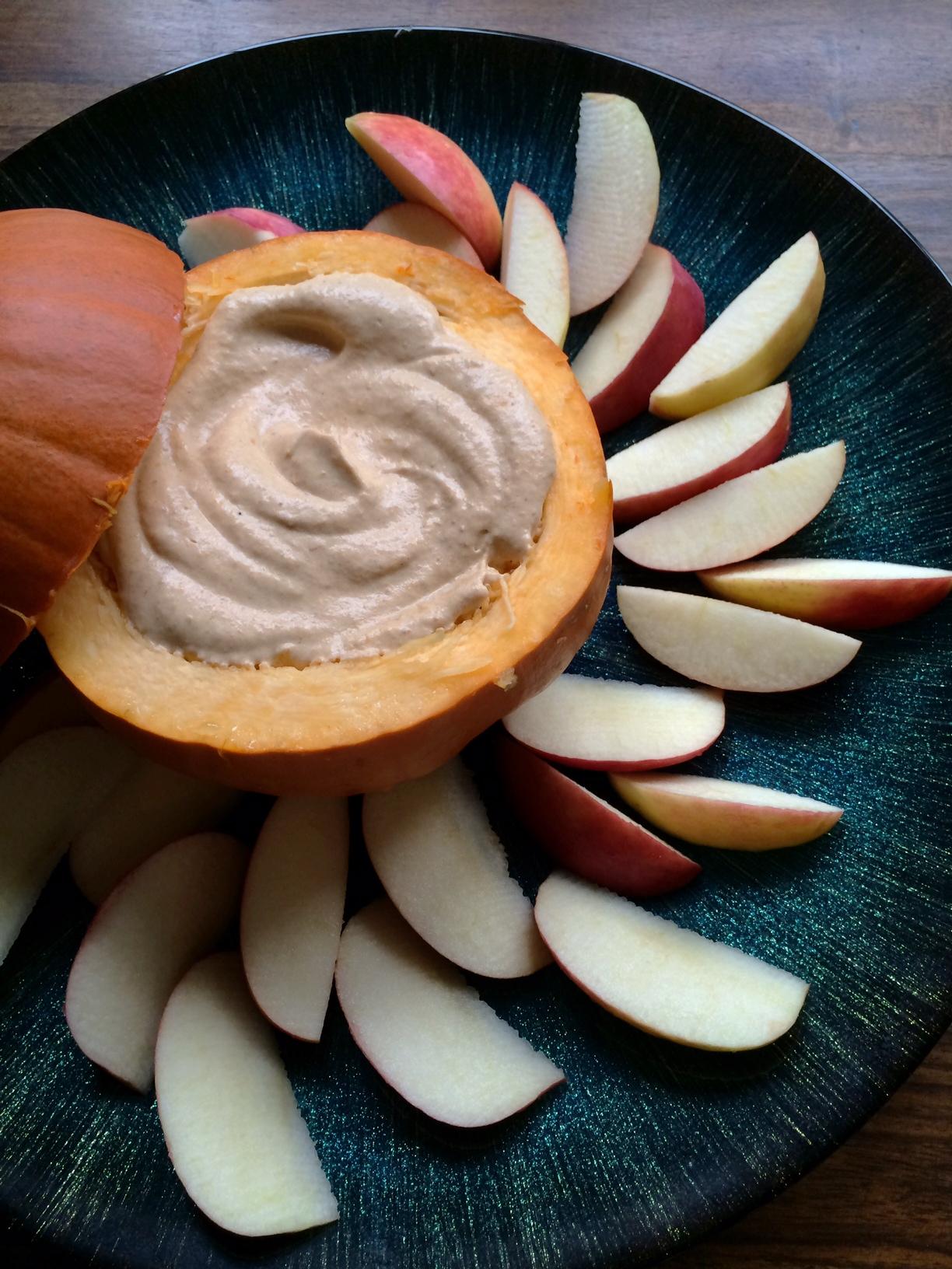 Skinny Pumpkin Pie Dip Spring and Chelsea