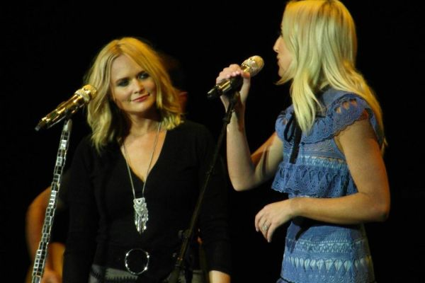 Miranda Lambert et Ashley Monroe en duo