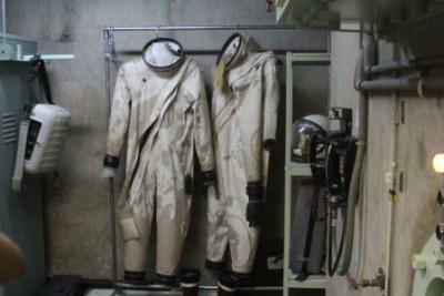 Les tenues du personnel de maintenance.