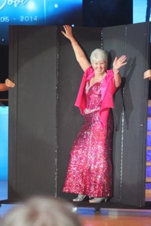 Betty Drummond, organisatrice et manager du magazine Linedancer