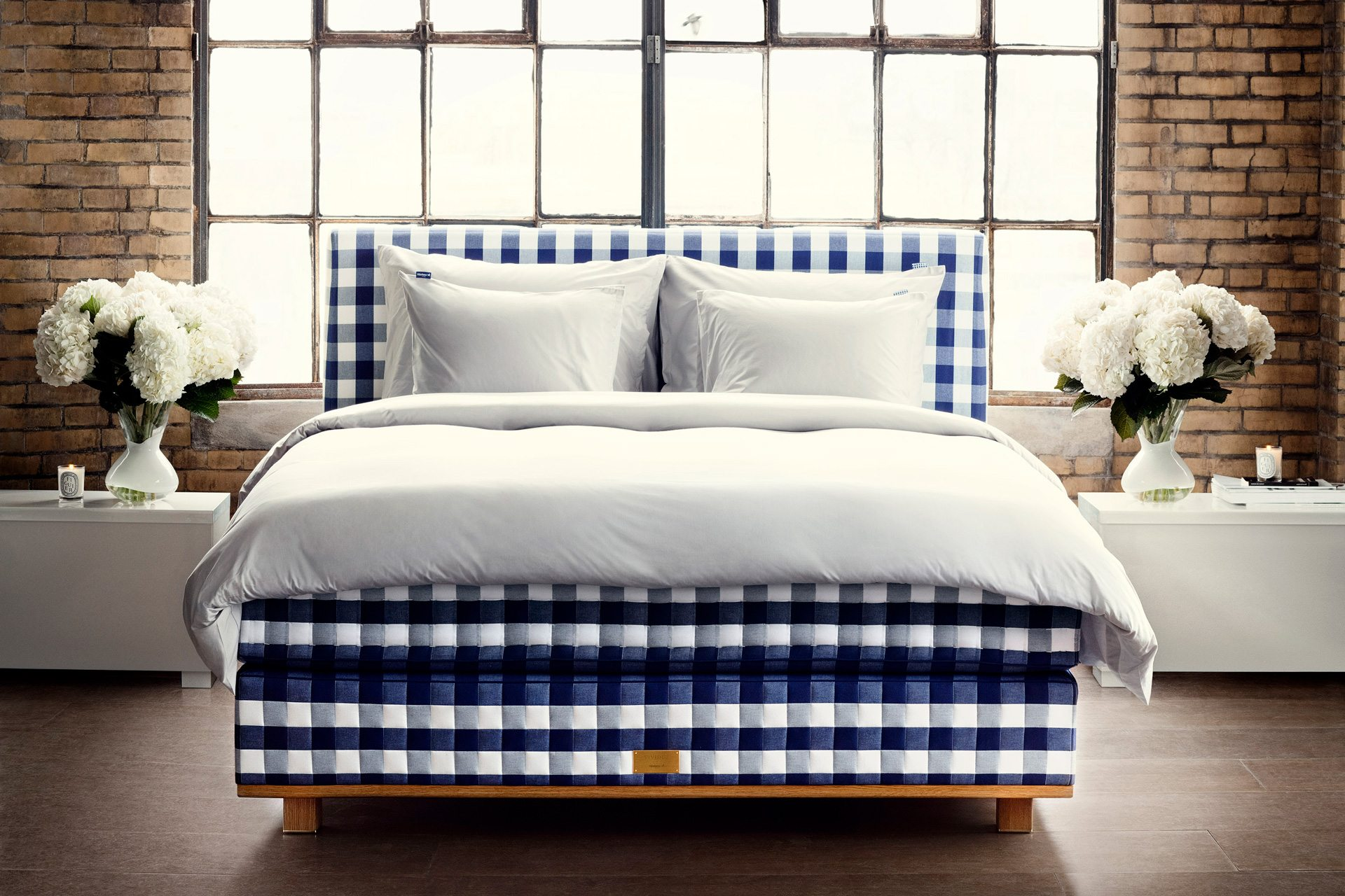 King Size Mattress Sale Uk The Most Luxurious Beds In The World Luxury Bed Guide 2019