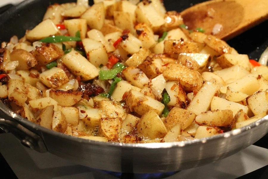 Cheesy Jalapeno And Bacon Skillet Potatoes | Coupon Clipping Cook