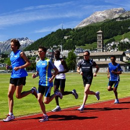 athletes-running-at-high-altitude