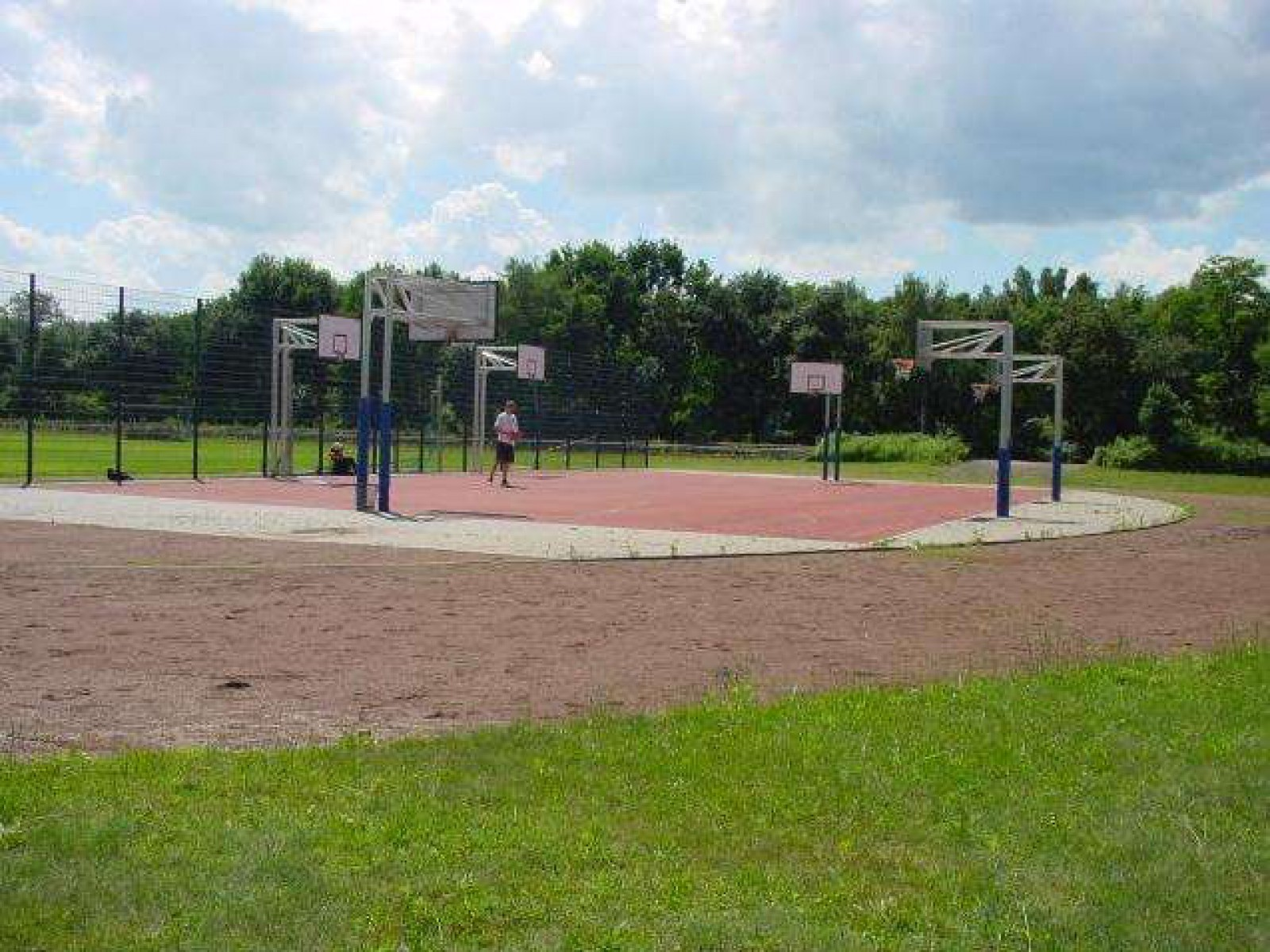 Spielplatz Berlin Marzahn Berlin Basketball Courts In Berlin Courts Of The World