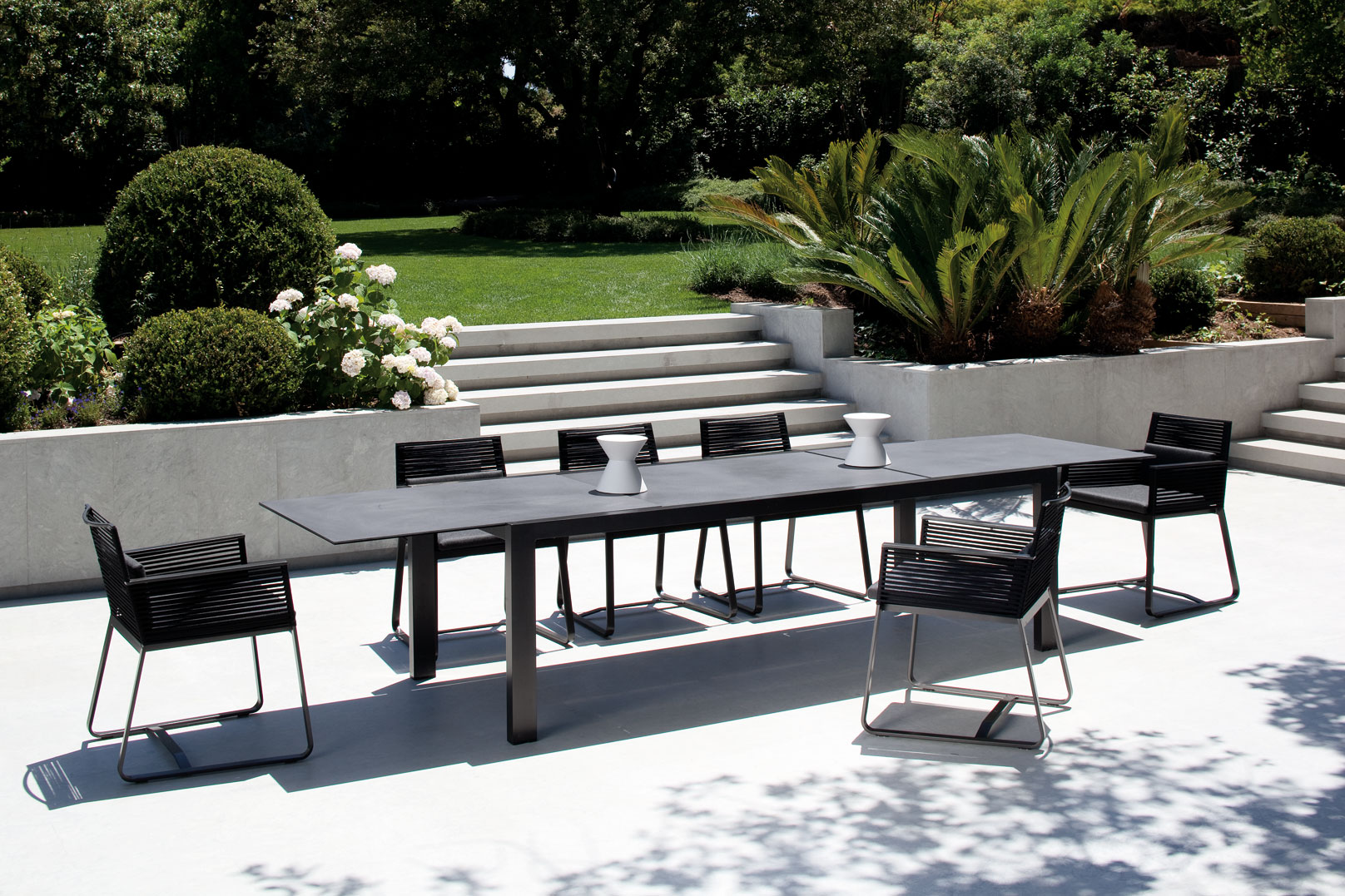 Meubles Outdoor Kettal Landscape Dining Collection Couture Outdoor