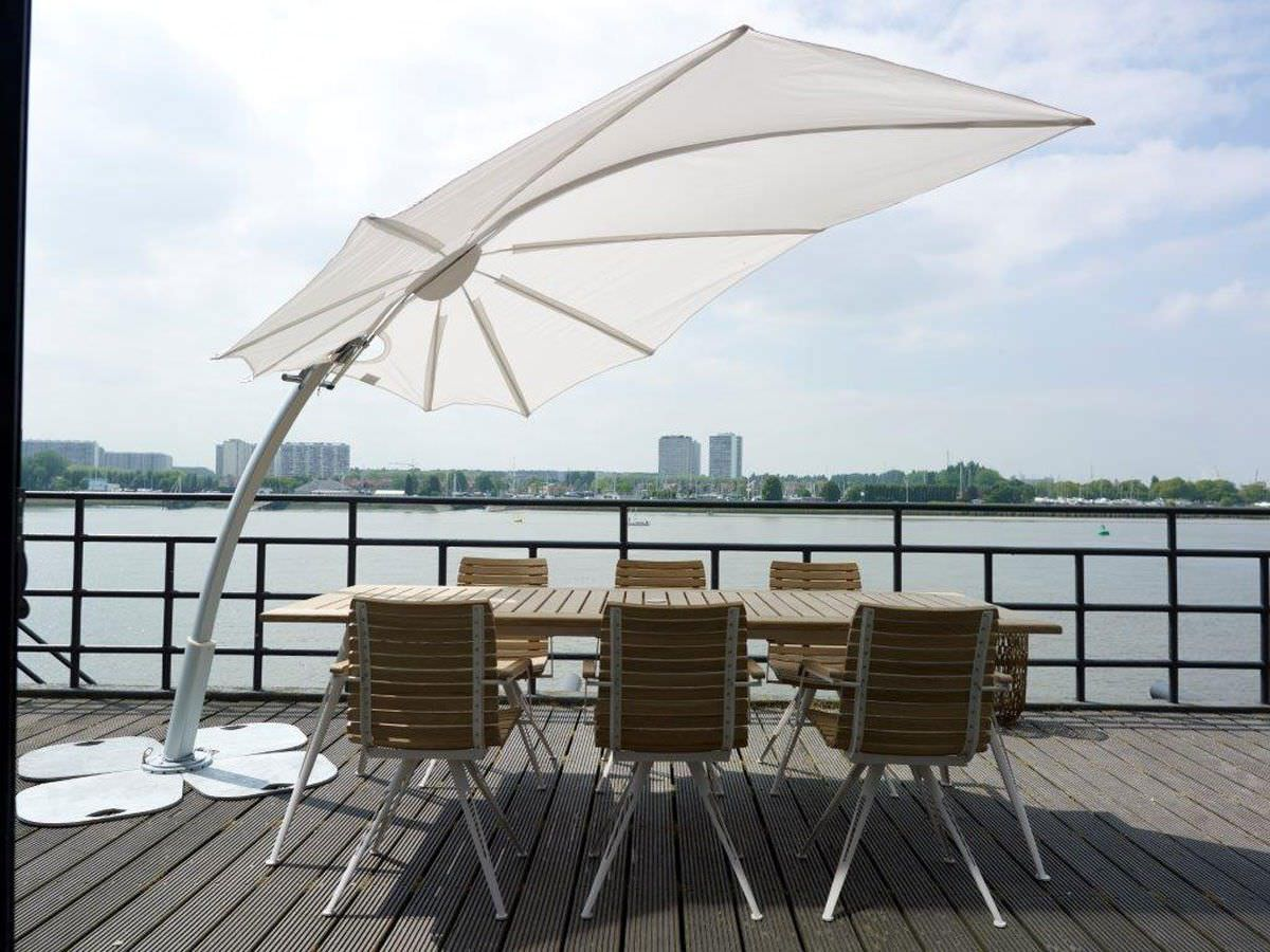Pool Deck Terrasse Modern 360 Umbrella Bloom Luxury - Coutrre Outdoor