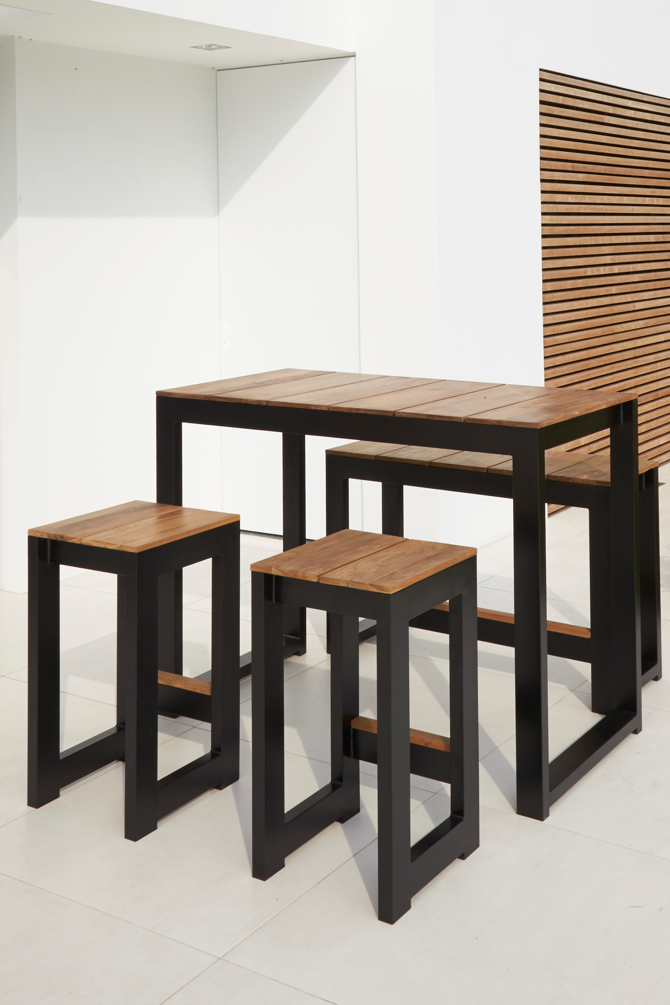 Table And Bar Stools Modern White Black Aluminum Teak Bar Stools Table Contract Hotel