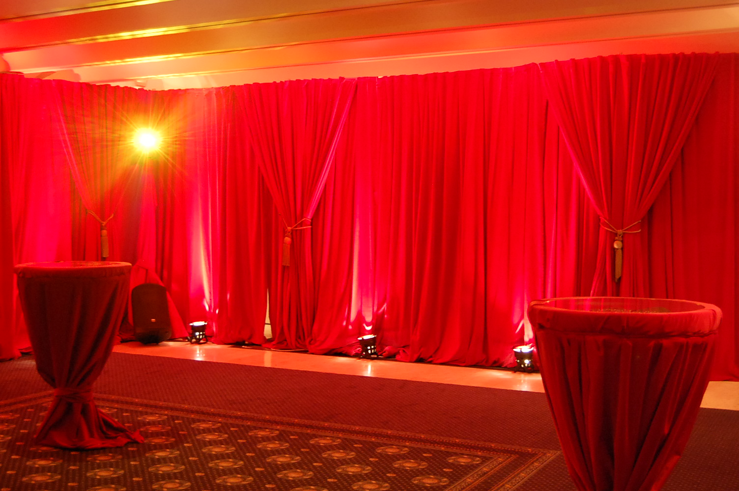 Samtvorhang Rot Velvet Drapes For Hire Or Sale Flame Retardant Curtain