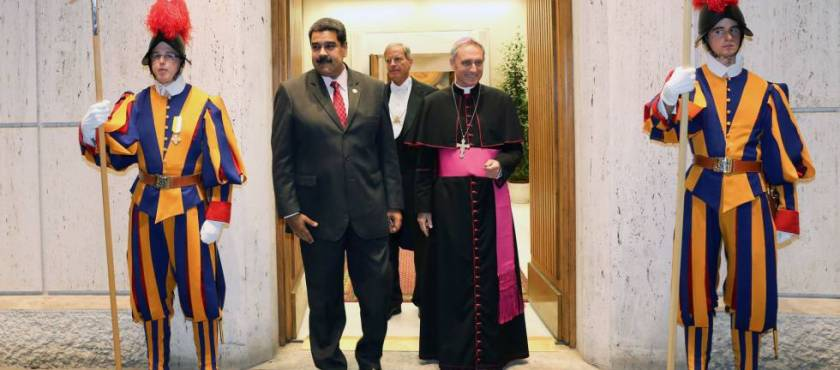 ¿La Diplomacia Vaticana Oxigena al Gobierno? – Por Milos Alcalay