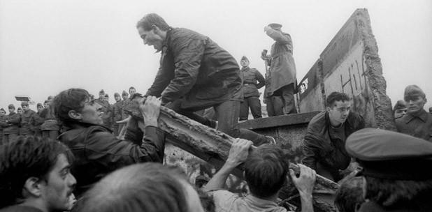 Y cayó el Muro de Berlín – Por Luís Xavier Grisanti