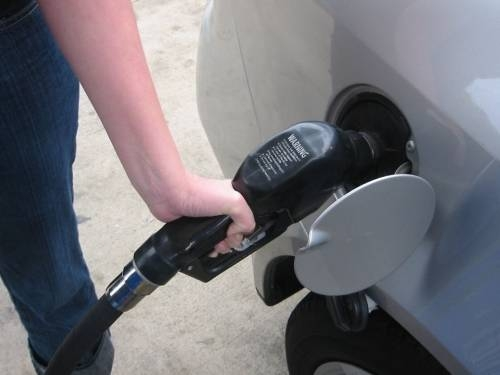 How to Calculate Gas Mileage When Towing a Trailer It Still Runs