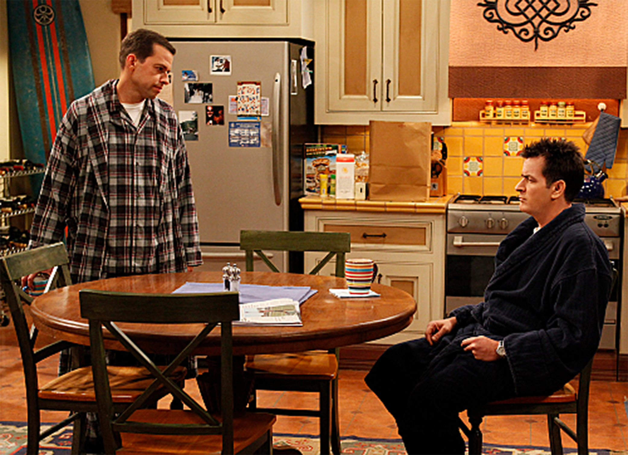 Couchtisch Two And A Half Men Summary Amazoncom Two And A Half Men Season 1 Charlie Sheen
