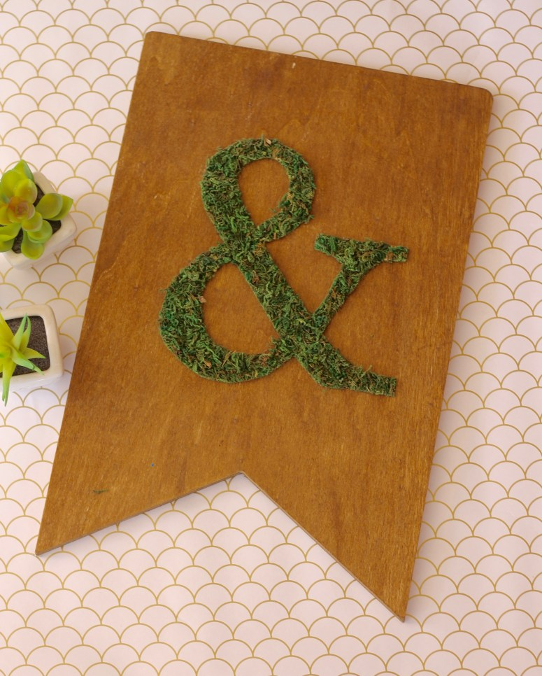 DIY Mossy Plaque – Gallery Wall