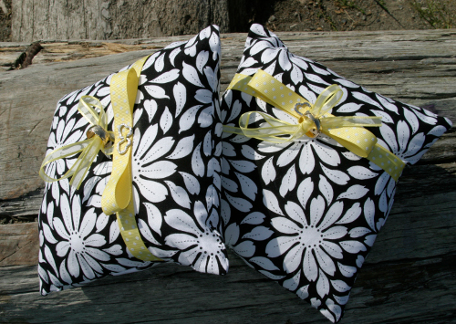 Insect Repellent Picnic Pillows