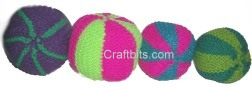 small-knitted-balls